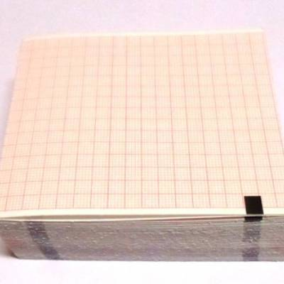 "Papel para ECG MAC 400/500/600 ""Z Folder"" 80 X 90 X 280 fls - GE"